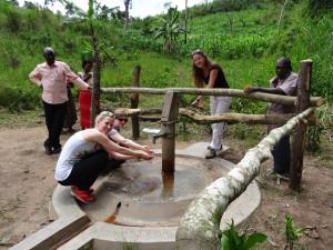 Funktionstest am Wantema-Brunnen